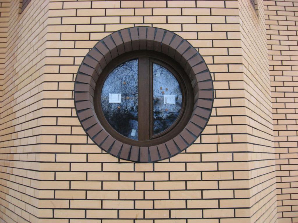 нестандартное круглое окно