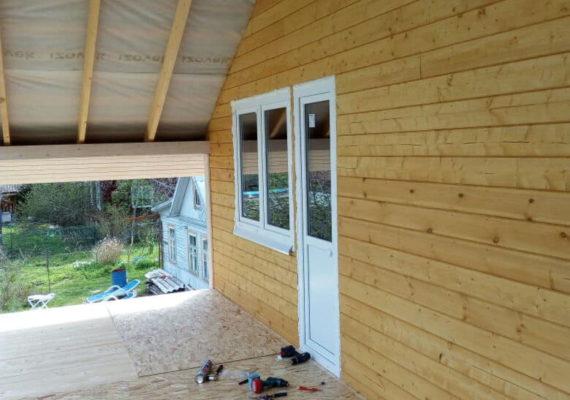 пластиковые двери и окна на даче