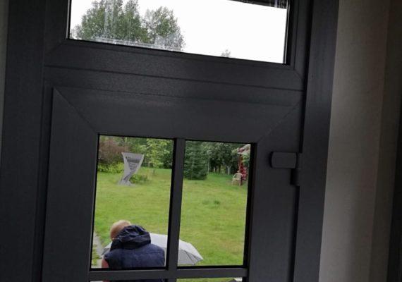 фото монтажа входной двери