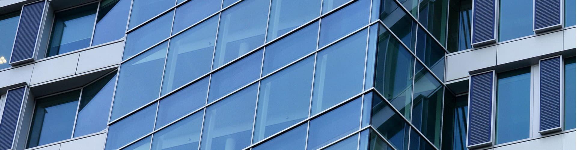фасадное остекление зданий фото