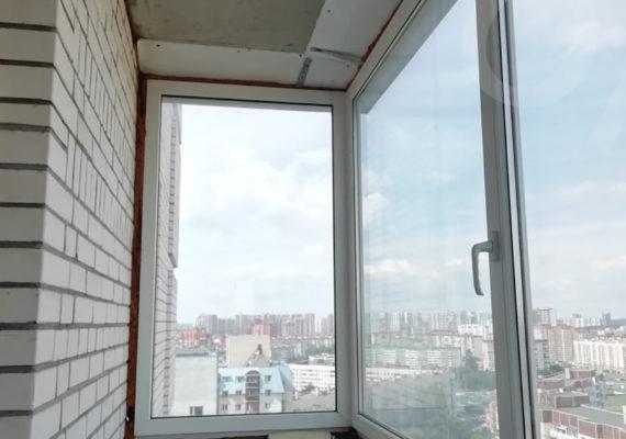 остекление балкона на проспекте Руставелли 4